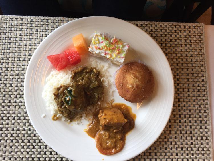 Earth lounge cochin food (My friend's plate :D )