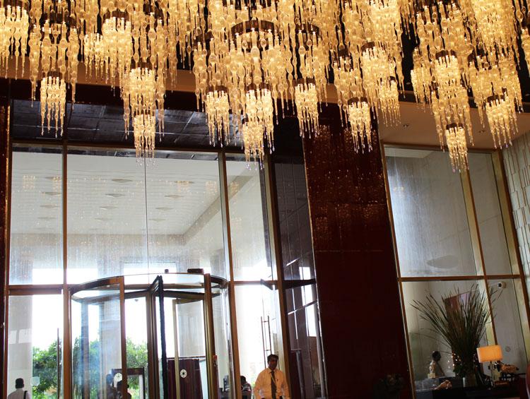 Taj santacruz mumbai entrance