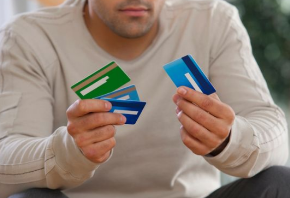 Getting 4 Credit Cards from HDFC Bank