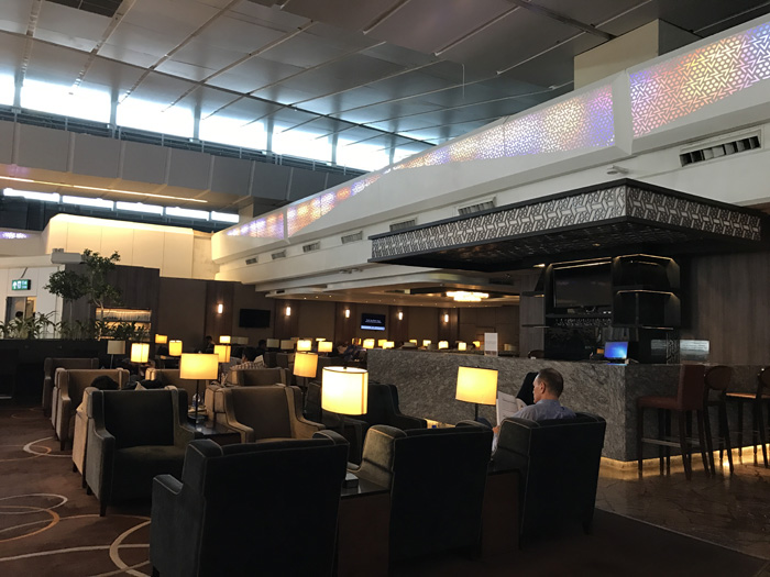 Delhi airport lounge review plaza premium t3 domestic cardexpert delhi airport plaza premium lounge entrance reheart Image collections