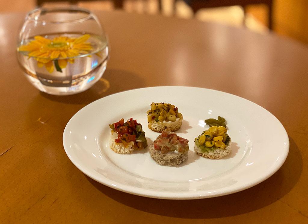Snacks at Trident Chennai Club Lounge